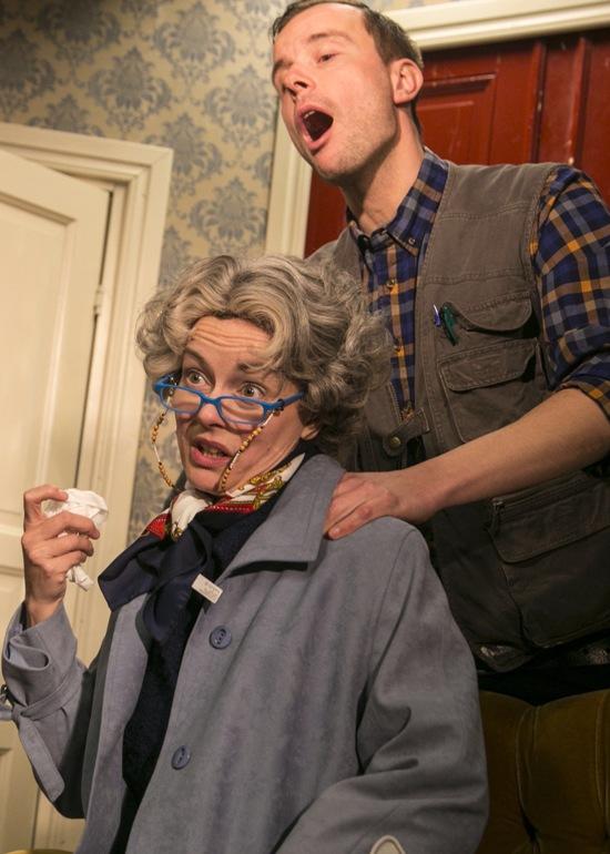 Jenny Gille och Urban Spjut (foto: Lerbäcks teater).